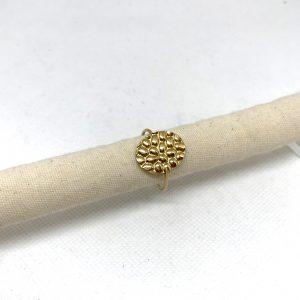 Bague dorée ovale martelé